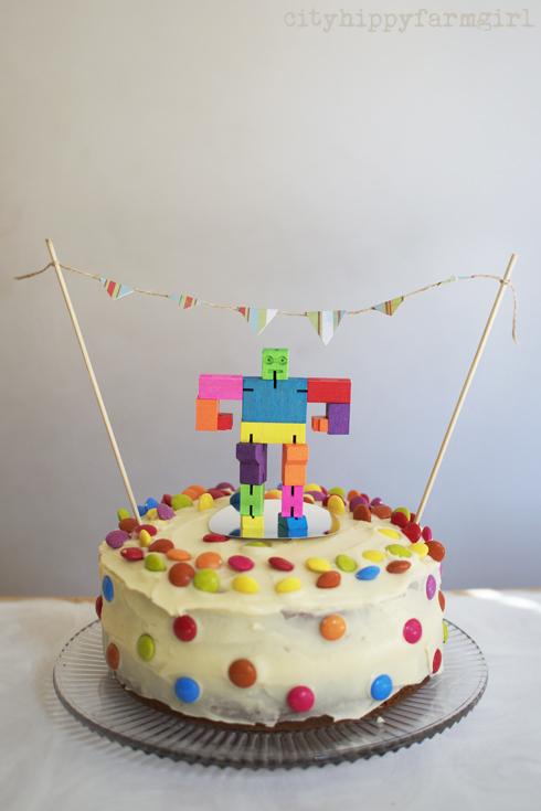 robot birthday cake- cityhippyfarmgirl