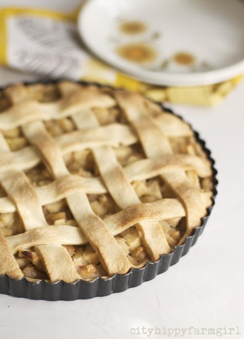 apple and almond tart || cityhippyfarmgirl