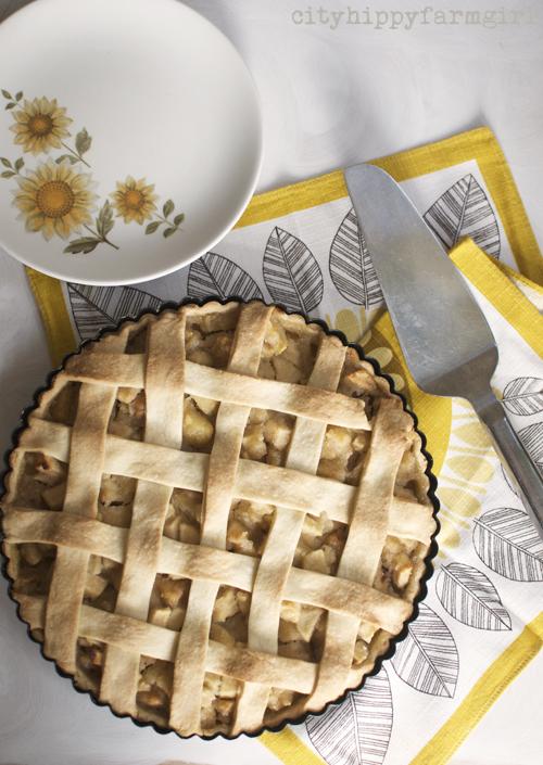 apple and almond tart recipe || cityhippyfarmgirl