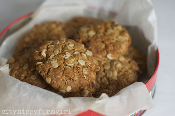 anzac biscuits || cityhippyfarmgirl