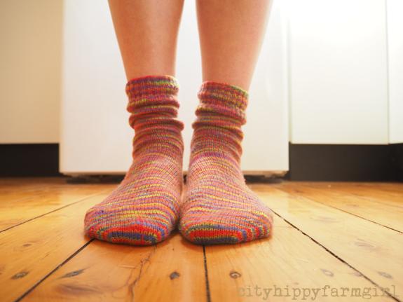 knitted socks || cityhippyfarmgirl