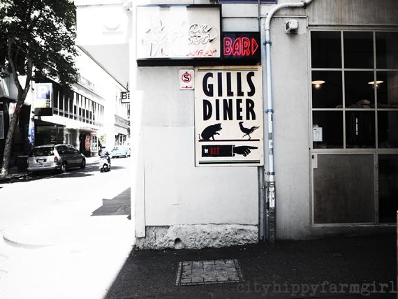 Gill's Diner || cityhippyfarmgirl