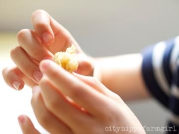 top tips for sourdough crumpets || cityhippyfarmgirl
