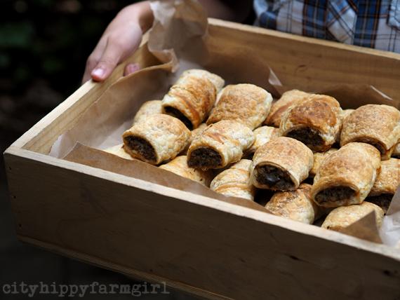 kale sausage rolls || cityhippyfarmgirl
