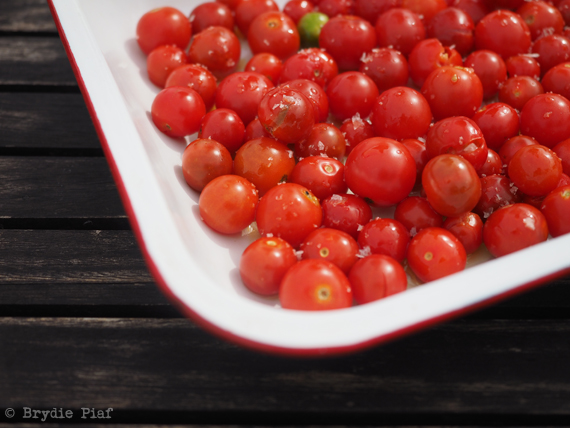 tomatoes for roasting || cityhippyfarmgirl