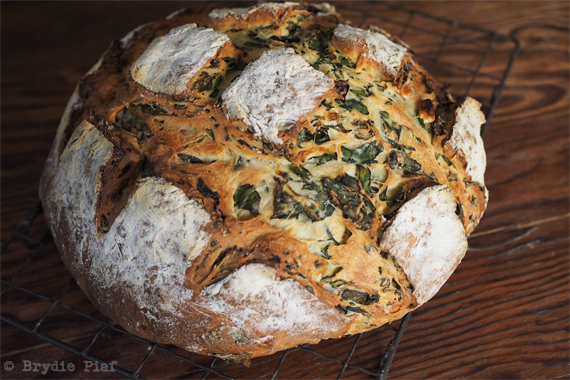 Spinach and Fetta Bread 02 || cityhippyfarmgirl